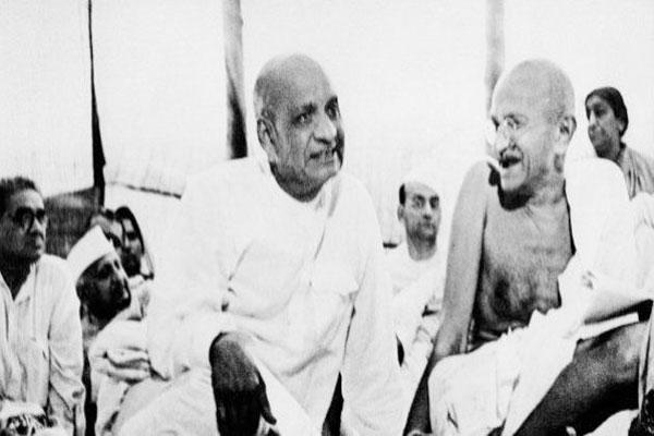 sardar-patel-and-gandhi