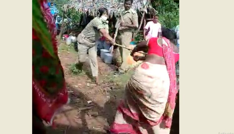 woman cop, tribal woman fight