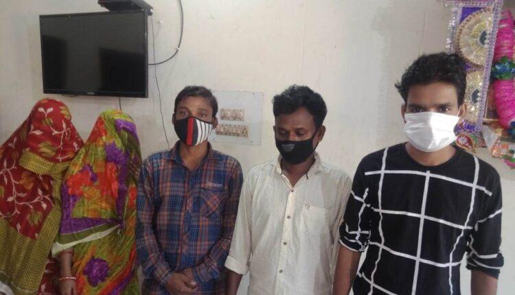 women arrested for drug smuggling