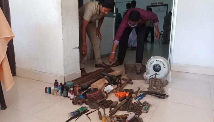 gun manufacturing unit busted_nayagarh