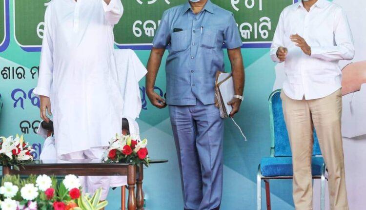 CM Naveen in Kalahandi 1 (1)