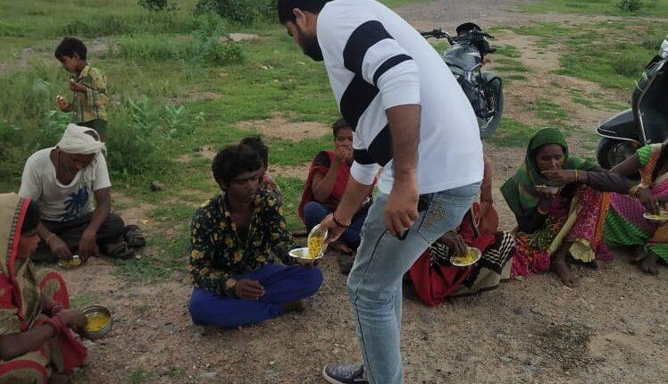 roadside food distribution