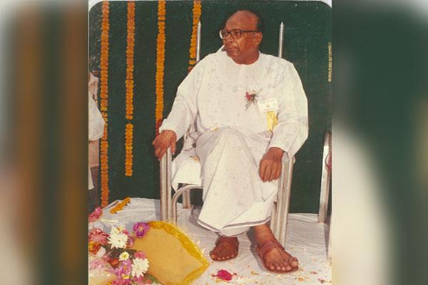Biju Patnaik - penyanyi