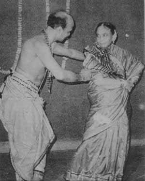 Guruji-with-Laxmipriya