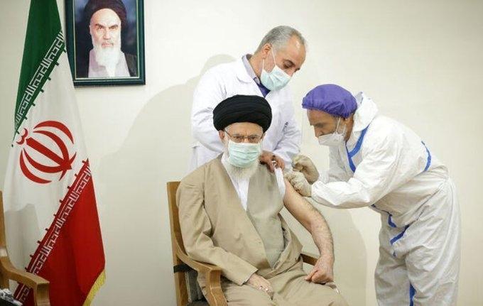 Iran's Supreme Leader Ayatollah Ali Khamenei gets vaccinated.( https://twitter.com/IrnaEnglish)
