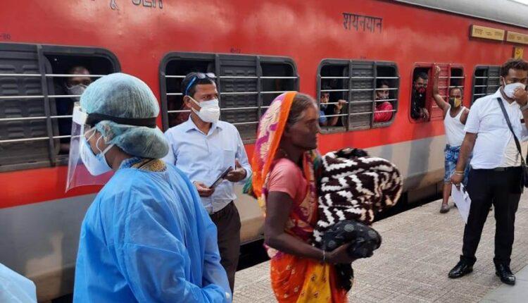 baby delivered at bhubaneswar station