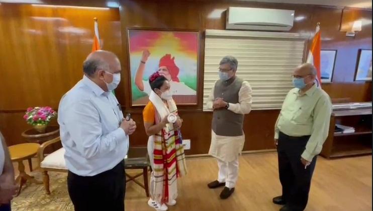 Railway Minister Ashwini Vaishnaw meets and felicitates Olympic silver medallist & Indian Railways weightlifter Mirabai Chanu.