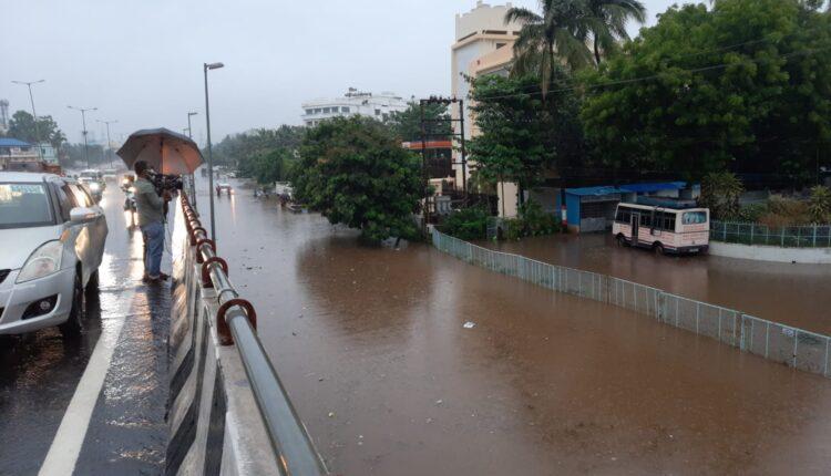 flooded road in bhubaneswar