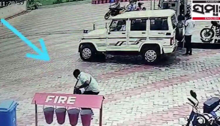 petrol pump boy sit-ups