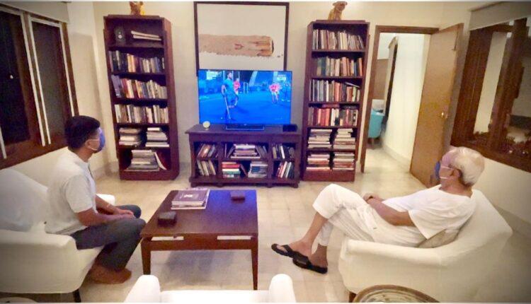 CM watching hockey match