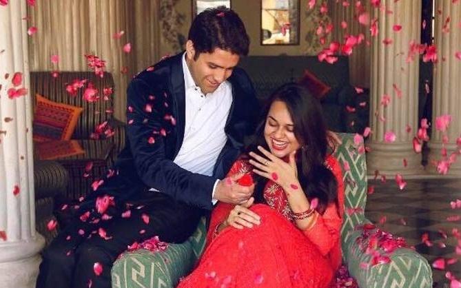 Popular IAS couple gets court's nod for divorce .(photo:Rahul gandhi twitter)