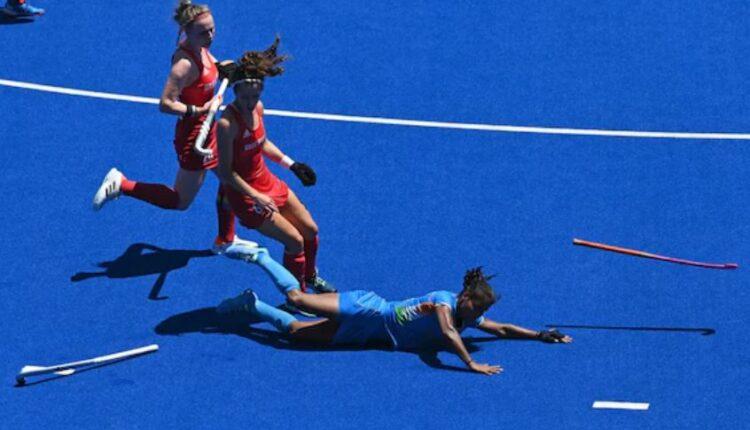 women's hockey2