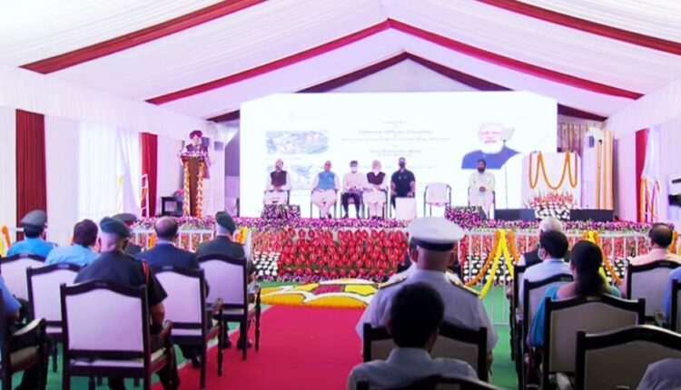 PM Modi inaugurates the Defence Office Complexes at Kasturba Gandhi Marg and Africa Avenue in Delhi.(photo:twitter)
