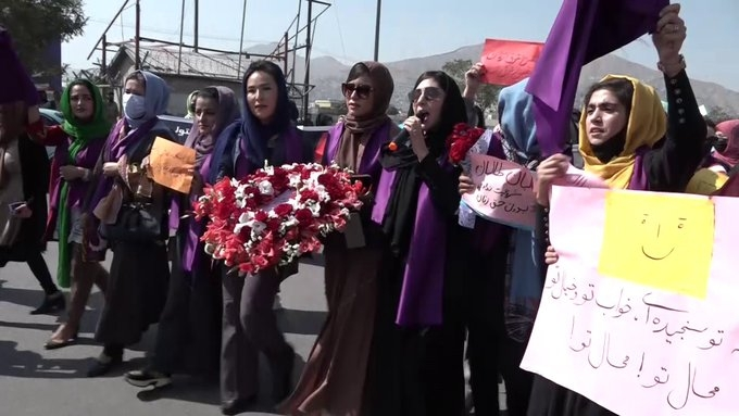 Protest in Kabul demanding women's rights turns violent.(pic credit: https://twitter.com/TOLOnews)